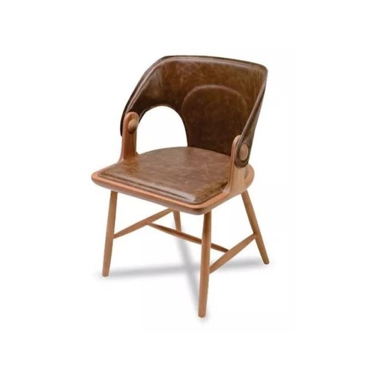 Cadeira Asa Couro Natural e Madeira